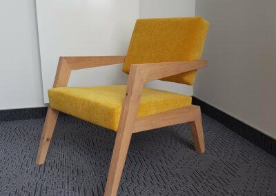 Designerstuhl gelb